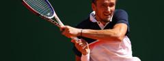 AO: Uspešan start Medvedeva, u drugom kolu i Kirjos