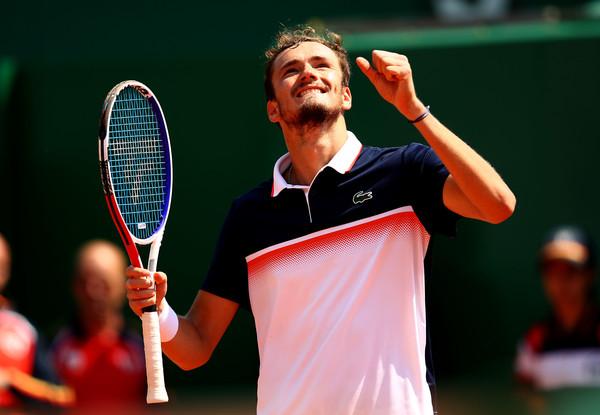 ATP FINALE: Medvedev bolji od Nadala!