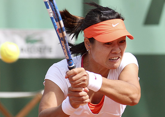 French-Open-2011-Li-Na-takes-on-Silvia-Soler-Espinosa-at-Paris