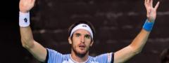 (VIDEO) Emocije na RG: Klinac uleteo na teren i rasplakao tatinog rivala