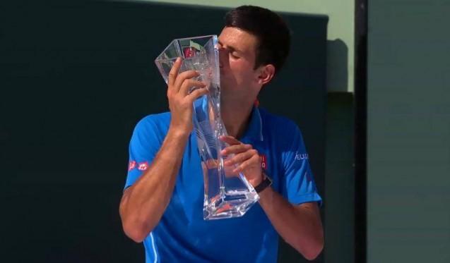 Novak - trofej Miami 2015